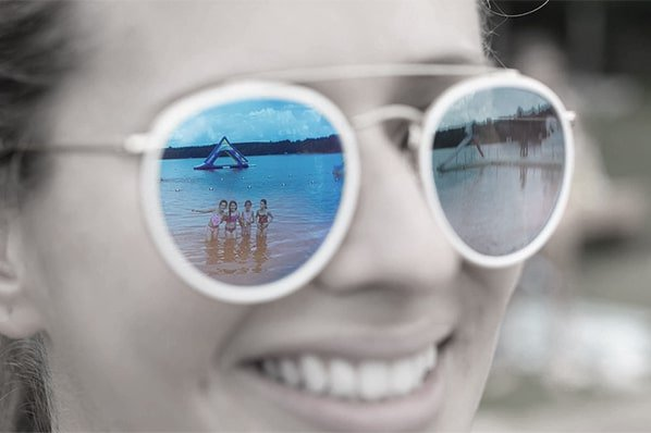 Marimeta Waterfront Reflection In Sunglasses